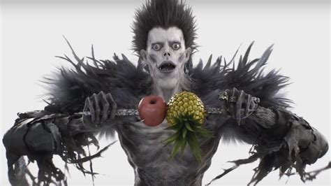 """Ryuk From DEATH NOTE Performs Ridiculous """"Pen-Pineapple"""