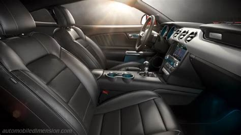 Ford Mustang 2015 dimensions, boot space and interior