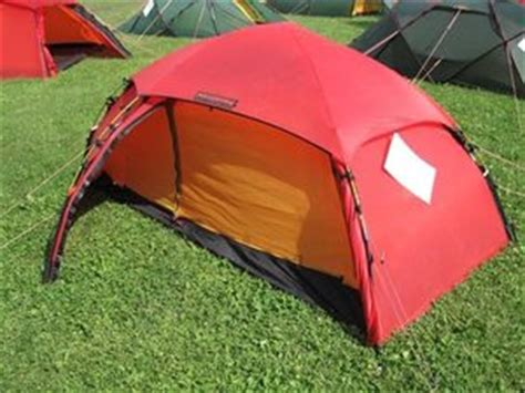 Allak tent beats back the weather   The Seattle Times