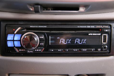 How to Hook up Your iPod to a Car Stereo: 10 Steps (with