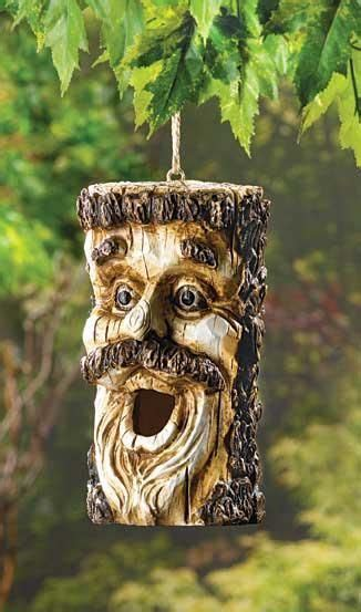 Fine Gardning: Funny wood craved Bird houses and feeders