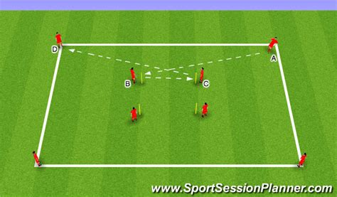 Football/Soccer: Passing Pattern (Technical: Passing