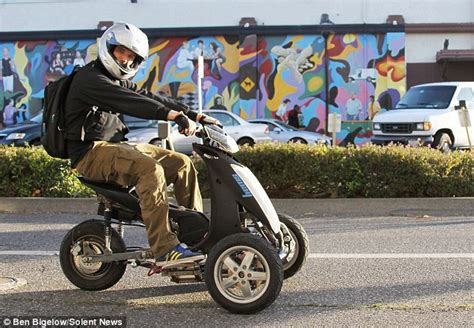 'Training wheels' for bikers? New electric motor-trike is