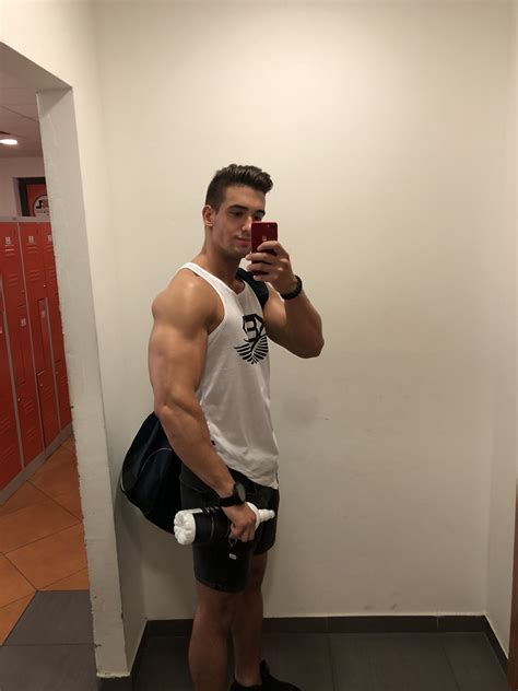 """Niccolo Neri on Twitter: """"Just finished my arm workout"""